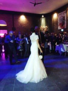 Slank in trouwjurk met Bodyhoop
